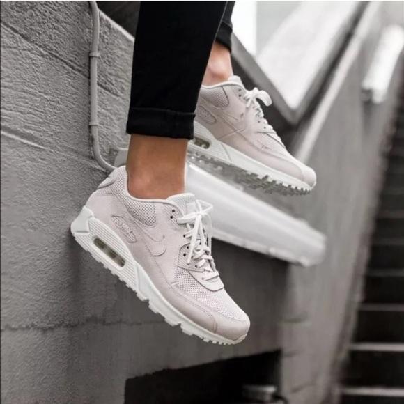 Women's Nike Air Max 90 Pinnacle Sneakers NWT